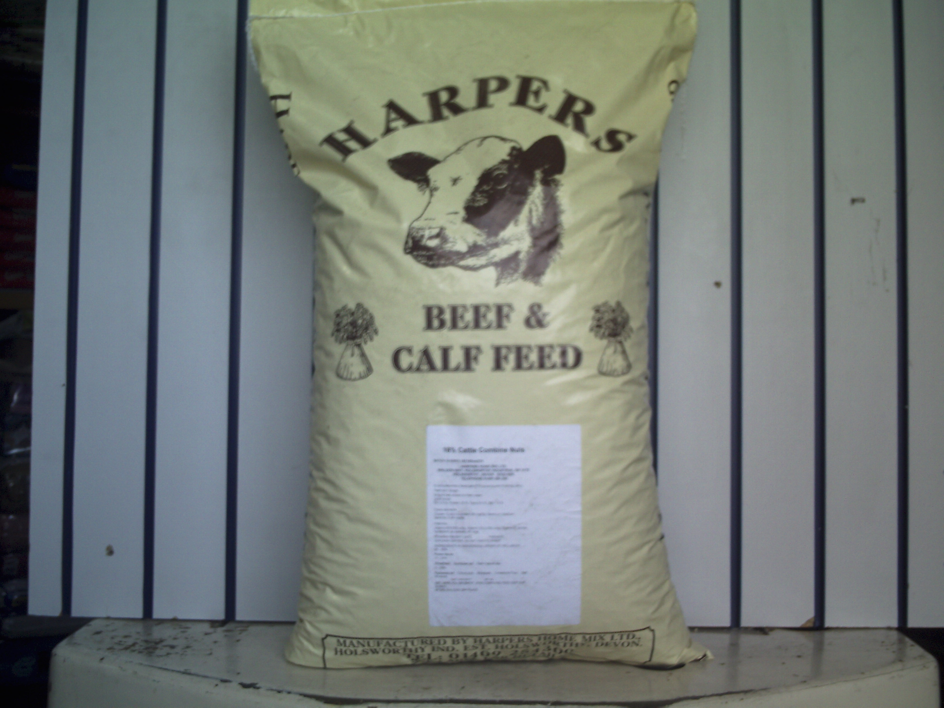 Cattle Combine Nuts 16% 25 Kg (LOCAL DELIVERY/PICK UP ONLY)