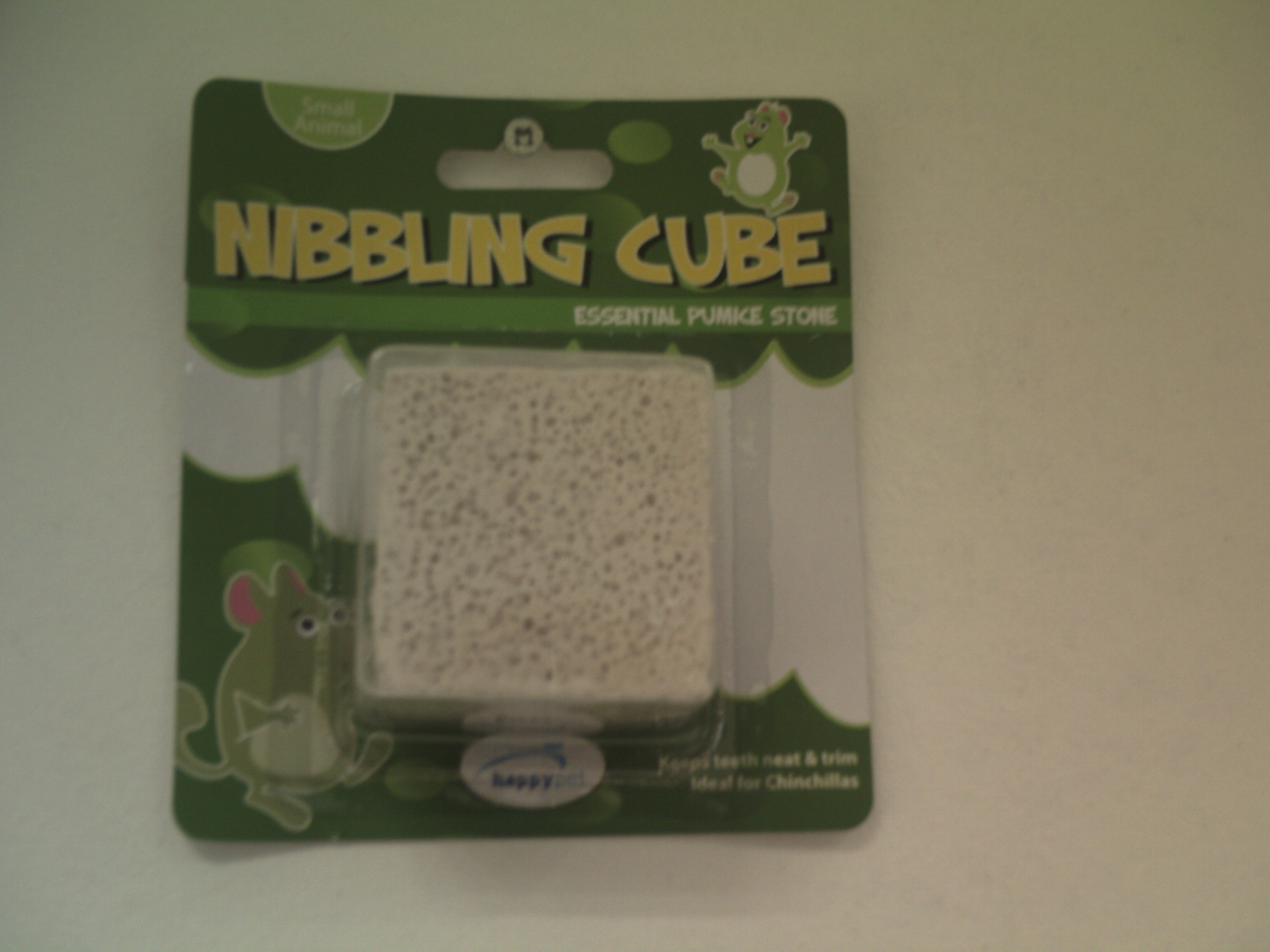 Nibbling Cube for Small Animals