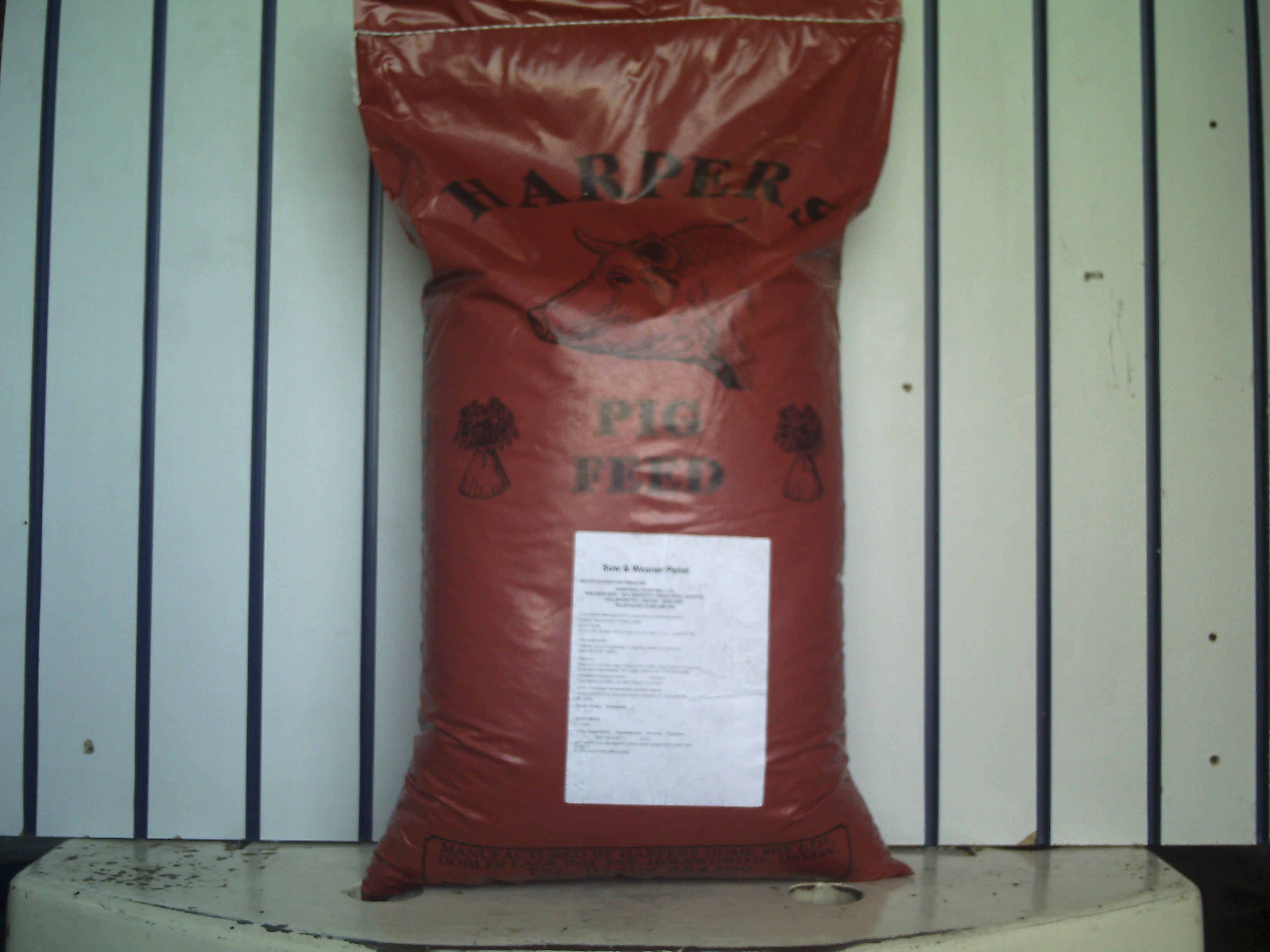Pig Grower Pellets 20kg (LOCAL DELIVERY/PICK UP ONLY) - Click Image to Close